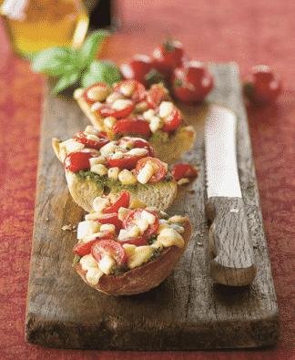 Bruschetta van cherrytomaten, pesto en Mozzarella. - Galbani