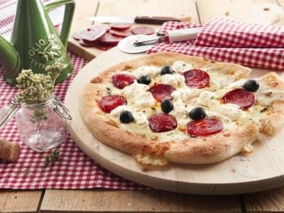Pizza à la Mozzarella, Ricotta et Saucisson Piquant - Galbani